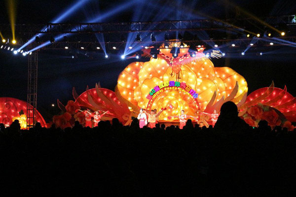 成都熊猫灯会现场演出时间表