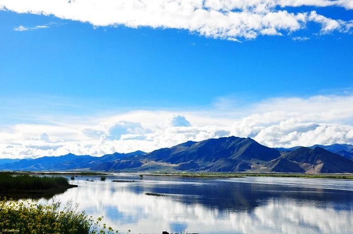 川藏线自驾游景点:尼洋河