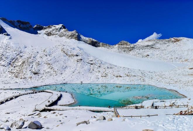 【最近的遥远* 达古冰川+羊茸哈德休闲2日游】穿越白色童话世界,逛神仙居住的地方