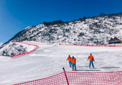 鹧鸪山自然公园滑雪场怎么样?