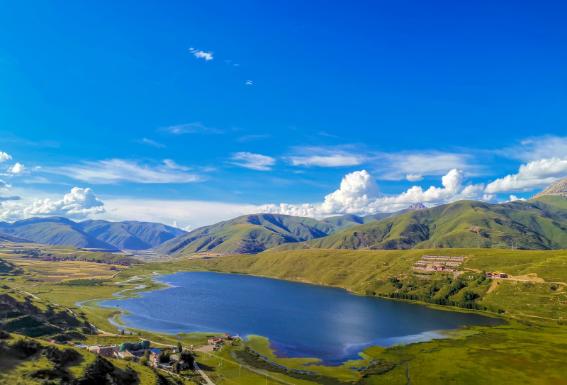 卡萨湖海拔多少米?