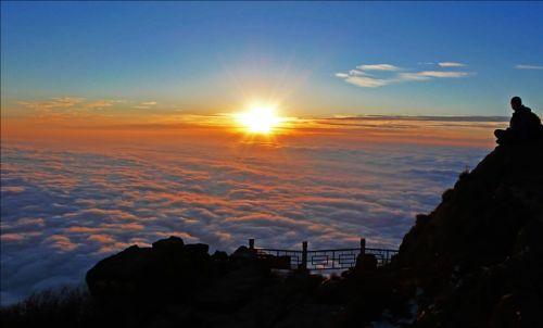 峨眉山四季都能看到日出吗