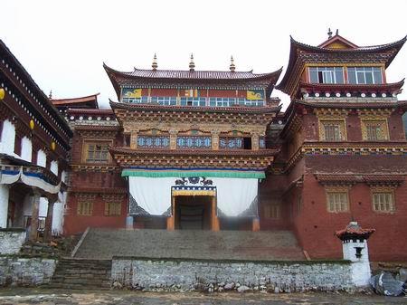 稻城亚丁寺庙