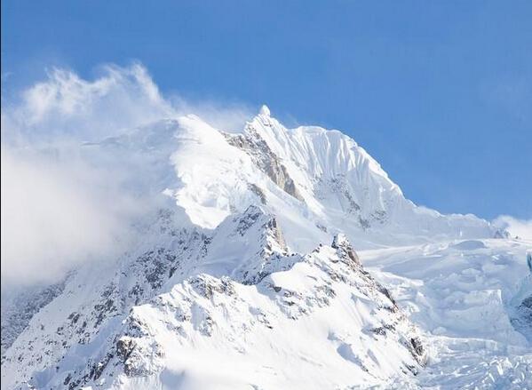 川藏线冰川雪山