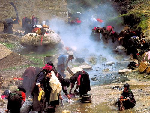 茹布茶卡温泉的传说