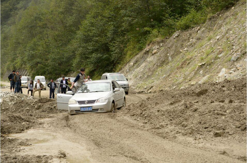 川藏线雨季泥石流多发路段有哪些?