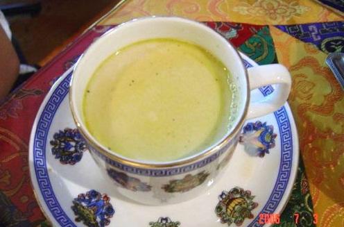 四姑娘山美食:酥油茶