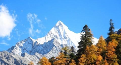 夏诺多吉神山