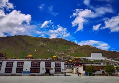 西藏扎什伦布寺值得去吗?